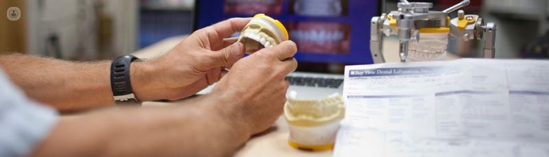 Todo lo que debes saber de los implantes de carga inmediata